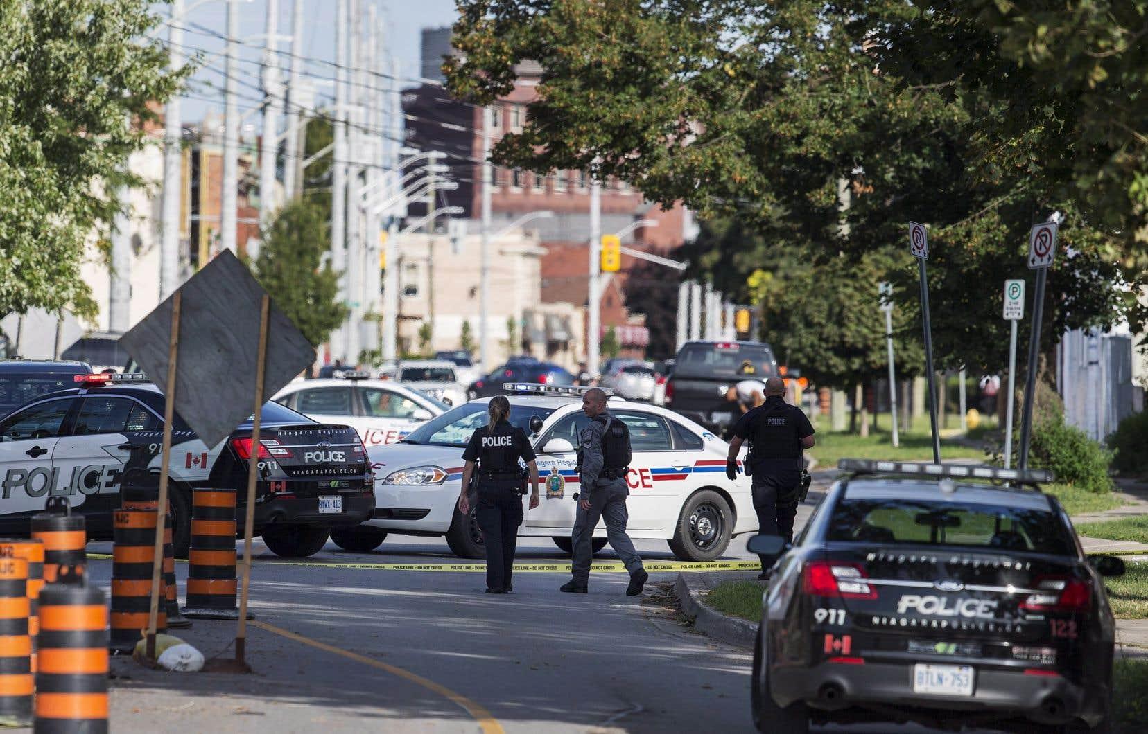 La police a été appelée à l'intersection de la rue Church et de la rue Niagara.