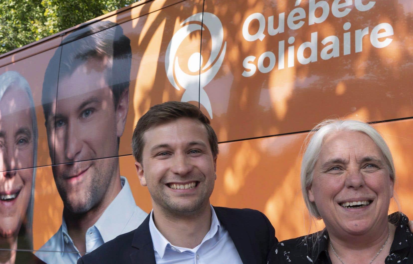 Faute de journalistes à bord de son autobus de campagne, Québec solidaire a lancé une invitation à «toutes les personnalités du Web, twitteux, facebookeux, instragrammeux».