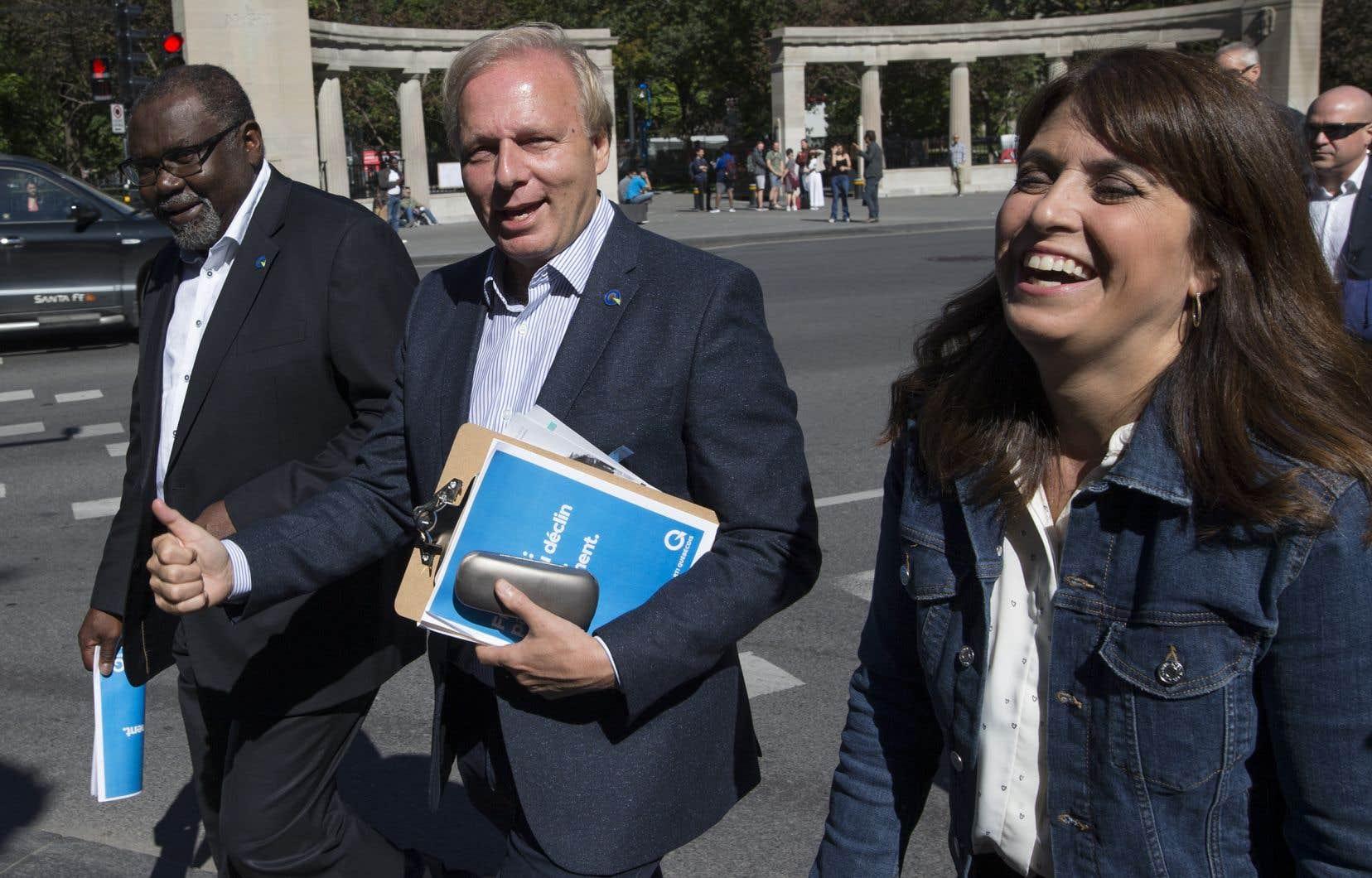 Le PQ suggérera aux cégeps anglophones «d'avoir quatre cours de français pendant chacune des sessions», a lancé Jean-François Lisée