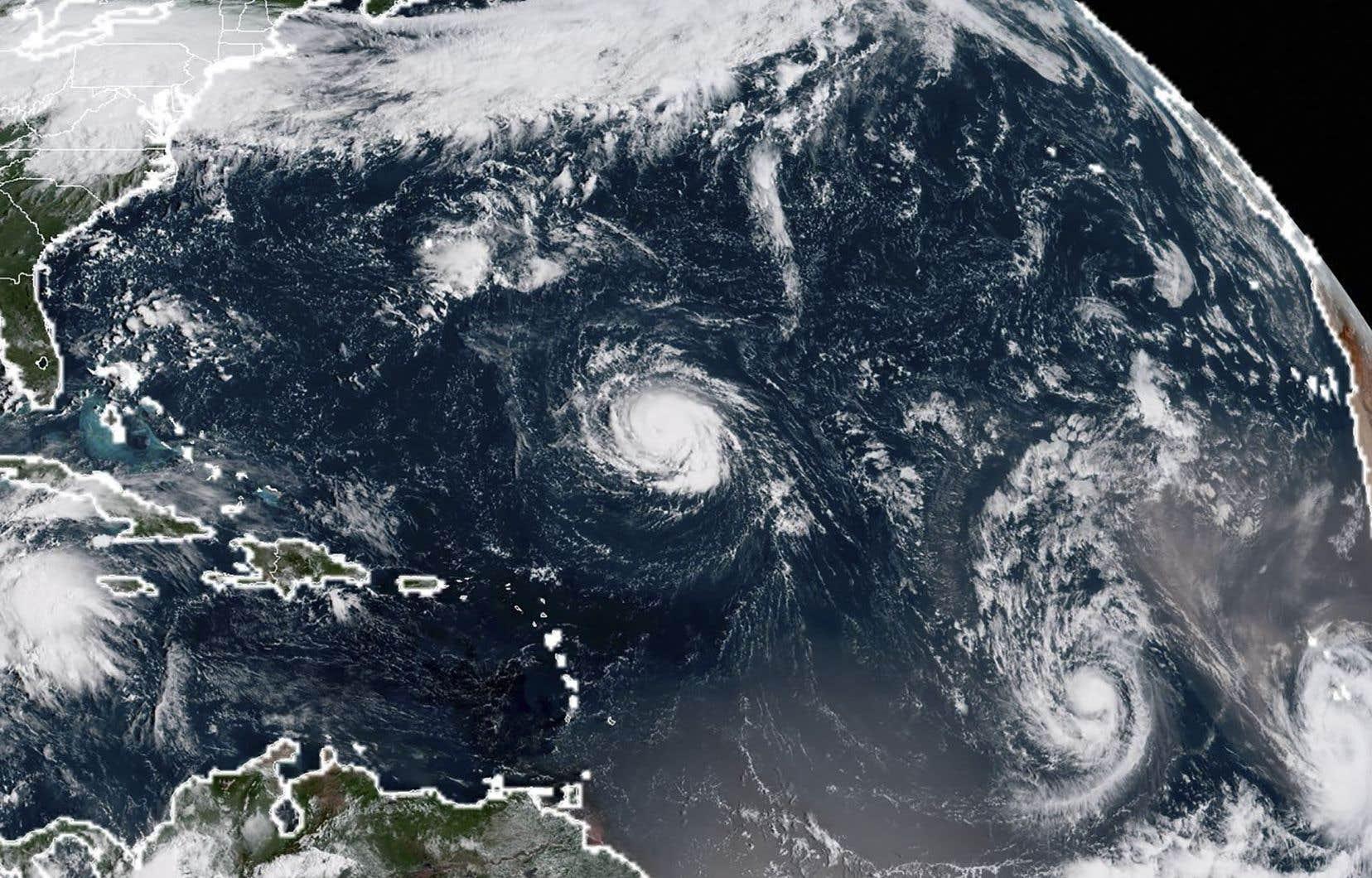 «Florence» devrait se transformer en ouragan majeur d'ici lundi.