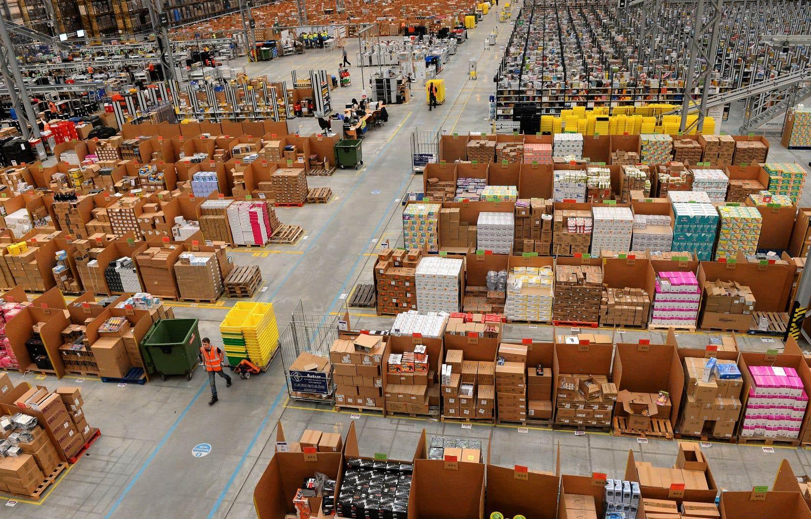 «Un objectif important poursuivi par les États-Unis dans le contexte de la renégociation de l'ALENA est d'obtenir un accès illimité au marché du commerce électronique», selon les auteurs.