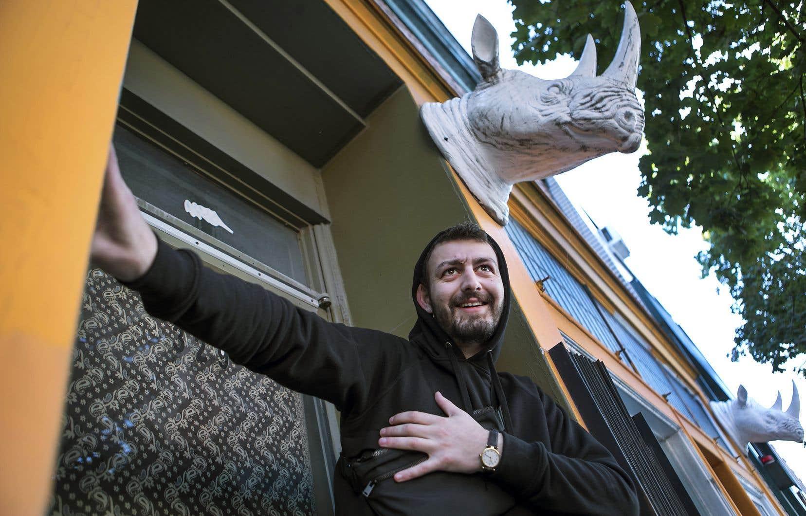 L'humoriste Roman Frayssinet estime qu'il n'a jamais été aussi «puissant» à Montréal que depuis qu'il a eu du succès ailleurs. «Les Québécois apprécient le talent de leurs artistes quand ils ont une résonnance ailleurs», dit-il.