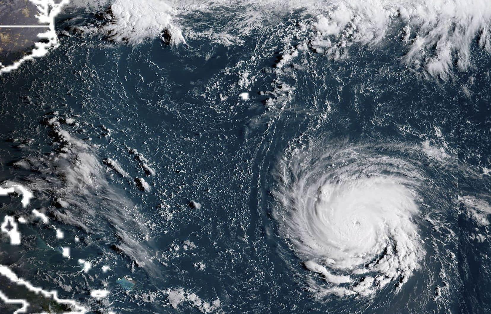 Les météorologues craignent qu'il ne frappe la côte est des États-Unis, quelque part entre les Carolines et le New Jersey.
