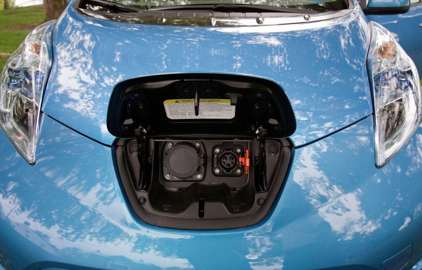 Il y a actuellement quelque 30 000 véhicules hybrides et électriques sur les routes du Québec, selon les chiffres de la Société de l'assurance automobile du Québec.
