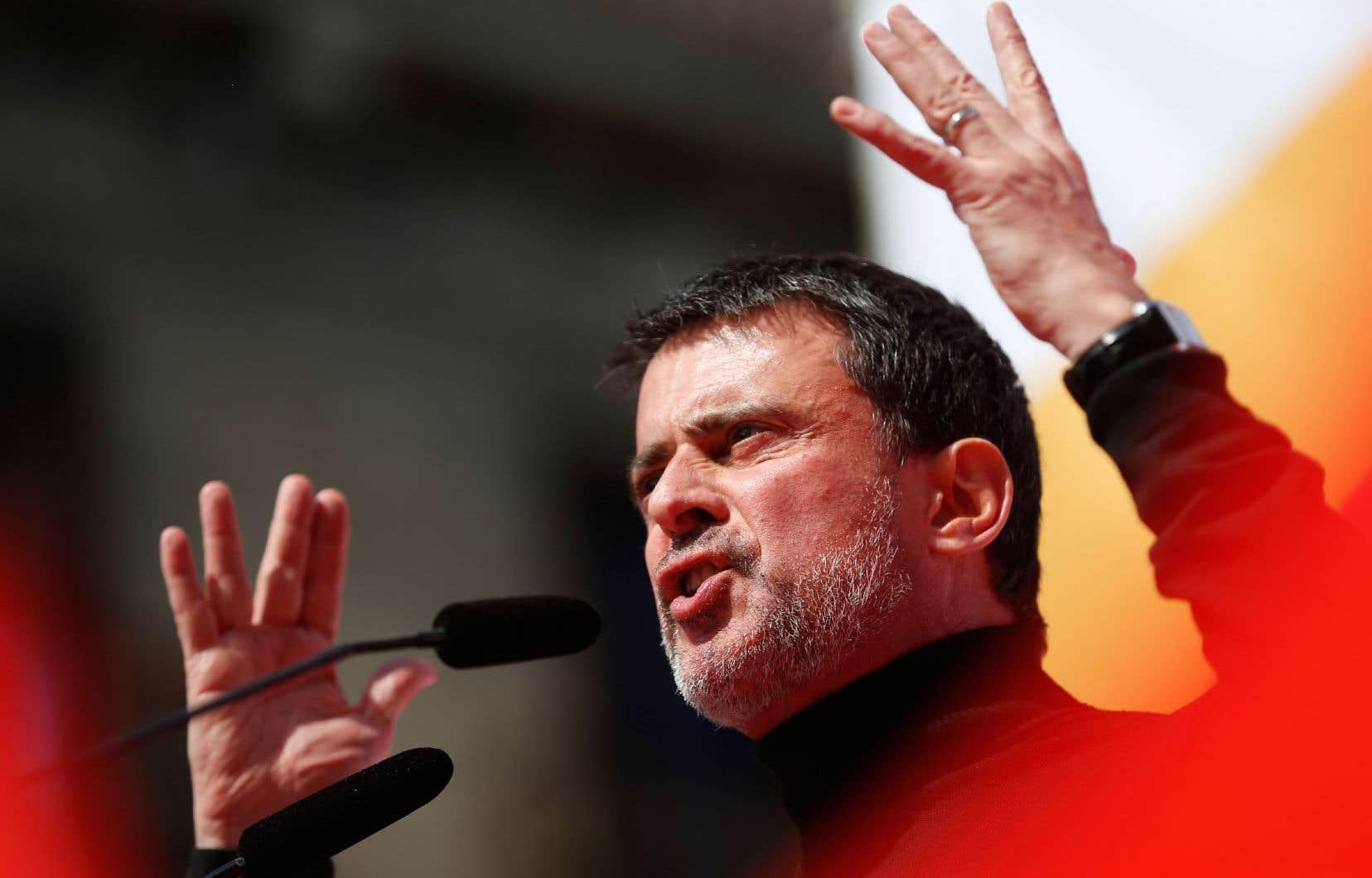 Même s'il refuse de confirmer sa candidature, l'ancien bras droit de François Hollande, Manuel Valls, est visiblement en précampagne pour la mairie de Barcelone.