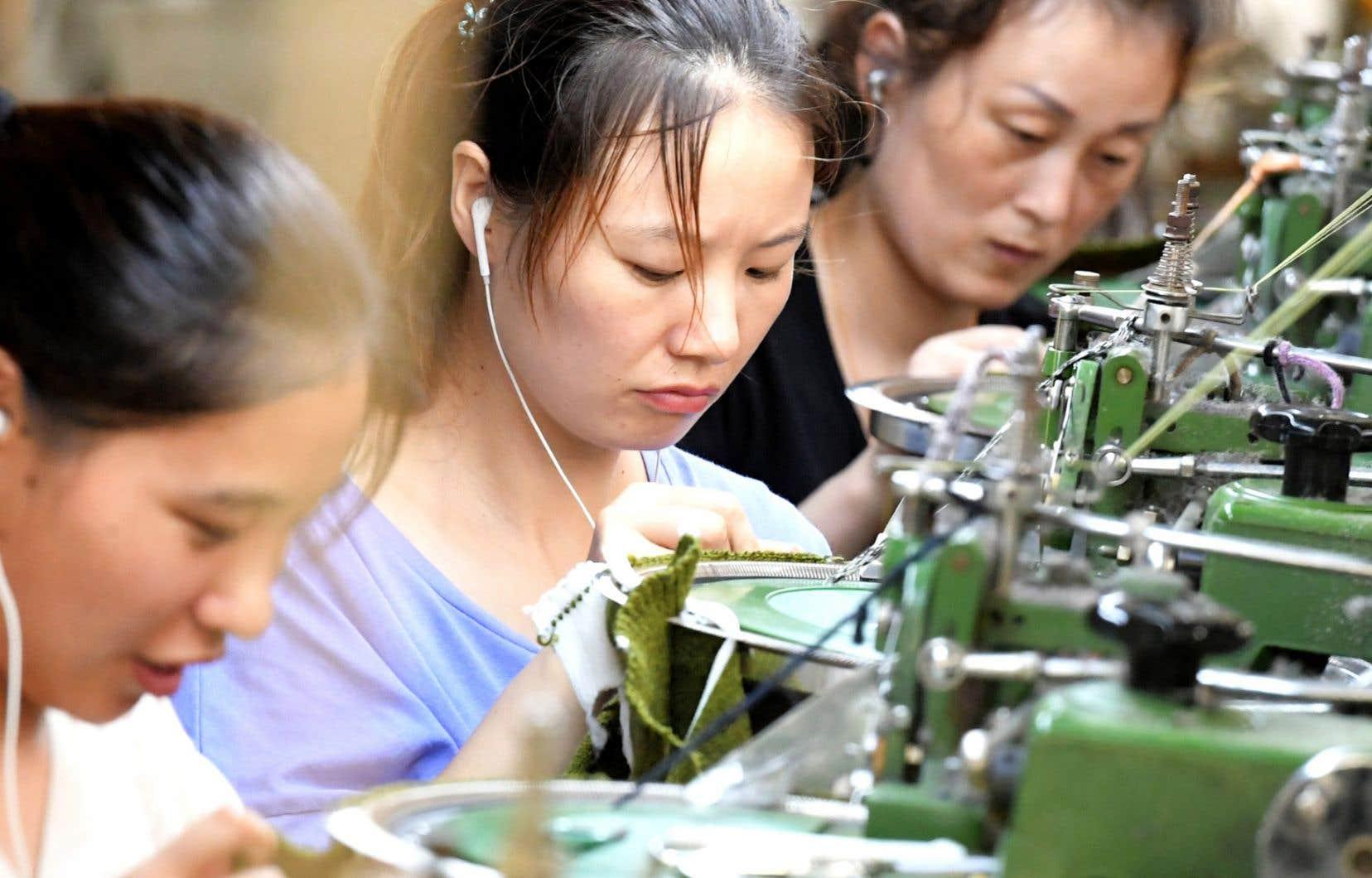 Des fabricants de pneus, de plastique, ou encore de textile se délocalisent.