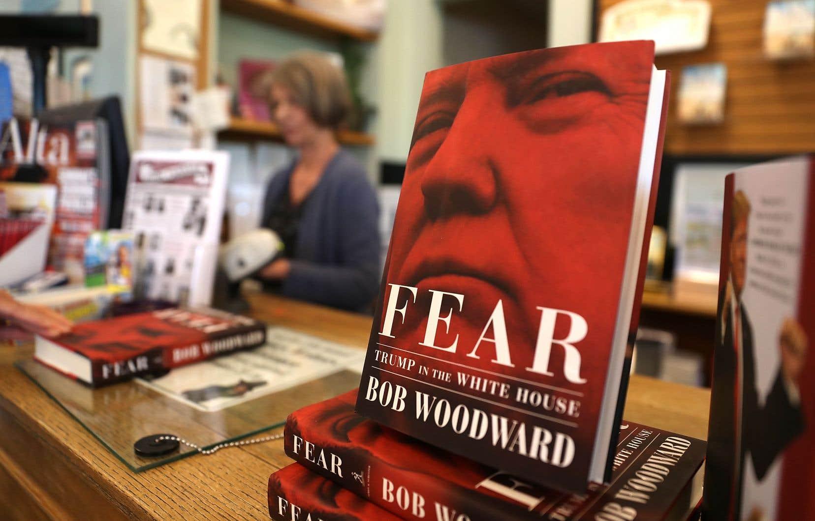 Le livre du journaliste Bob Woodward décrit un président inculte, colérique et paranoïaque dont l'entourage cherche en permanence à minimiser les dégâts.