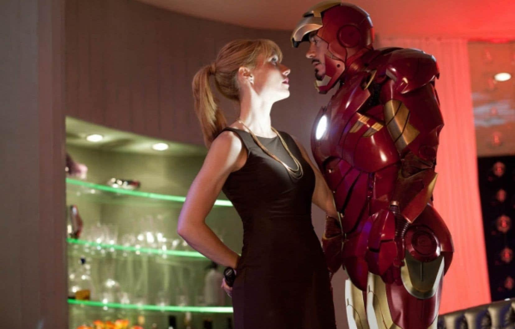 Tony Stark (Robert Downey Jr.) face à son adjointe (Gwyneth Paltrow) qu'il nommera p.-d.g. de son entreprise tel un aveu amoureux...