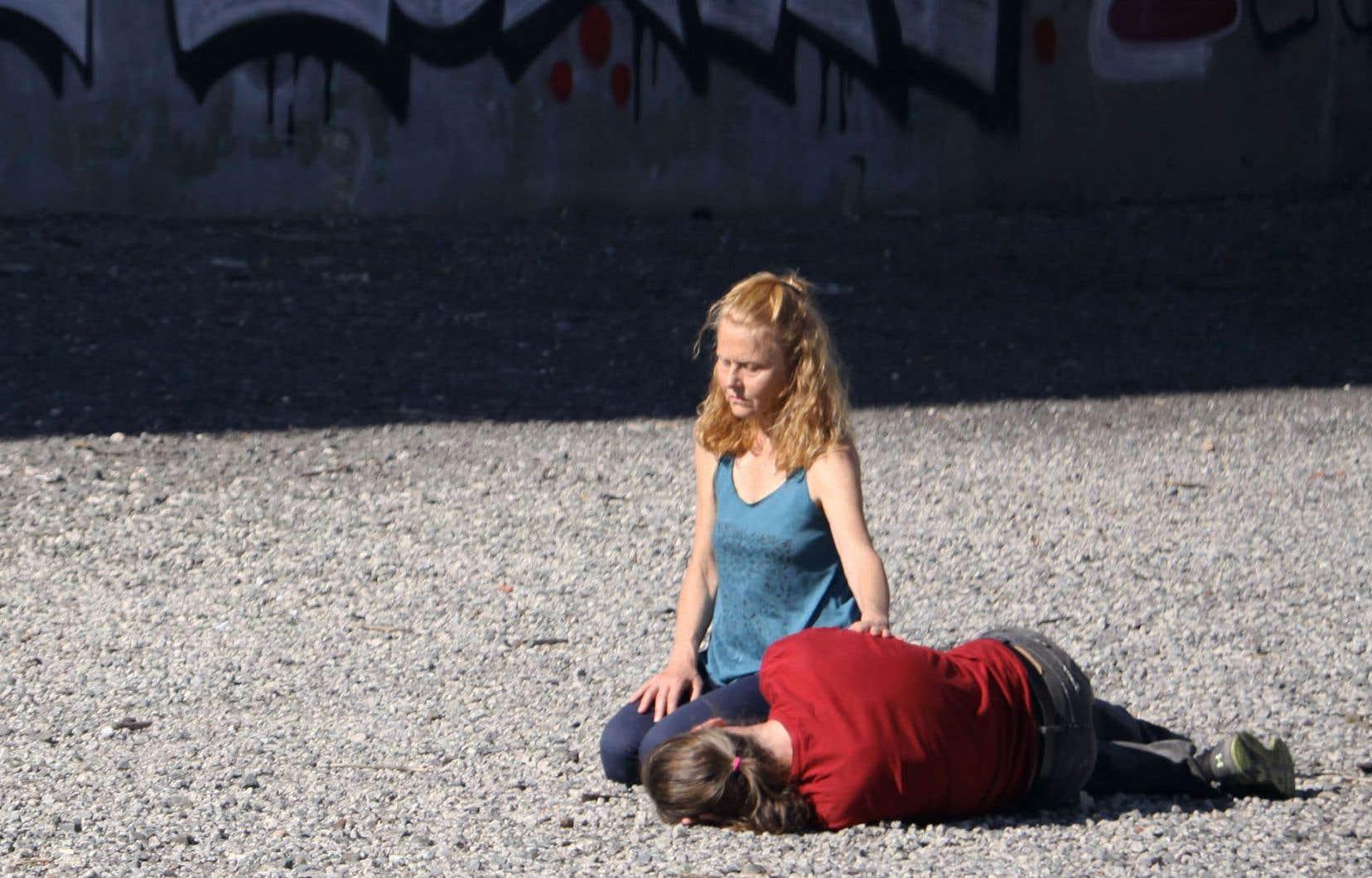 Les danseurs Lin Snelling et Dean Makarenko dans une présentation de «Life Force», de l'événement «Crying in Public»