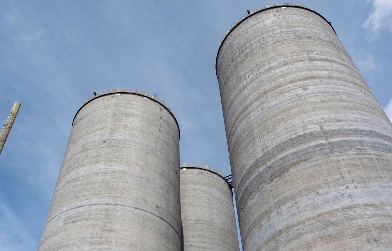 Les émissions de gaz à effet de serre produites par la cimenterie McInnis, le plus grand pollueur industriel au Québec, sont estimées à 1,76 million de tonnes annuellement.