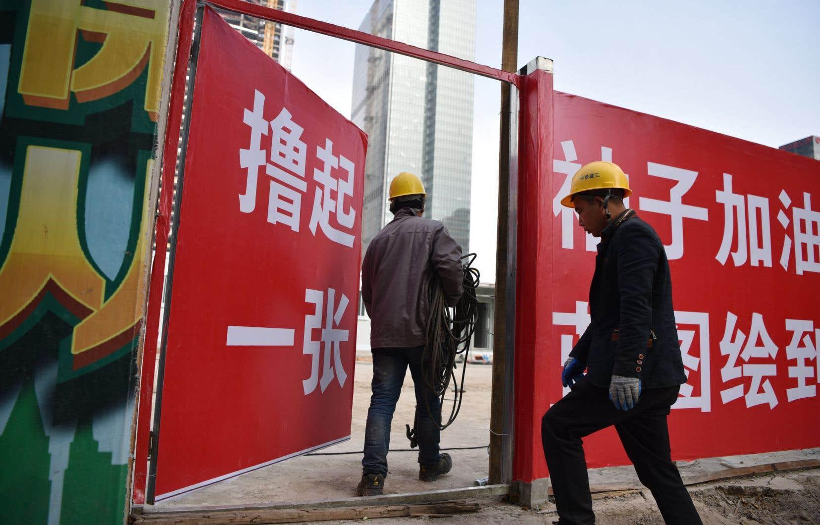 La Chine a publié vendredi des statistiques peu encourageantes, montrant un essoufflement marqué des investissements dans les infrastructures. Le pays a aussi vu ses ventes d'automobiles reculer pendant trois mois consécutifs.