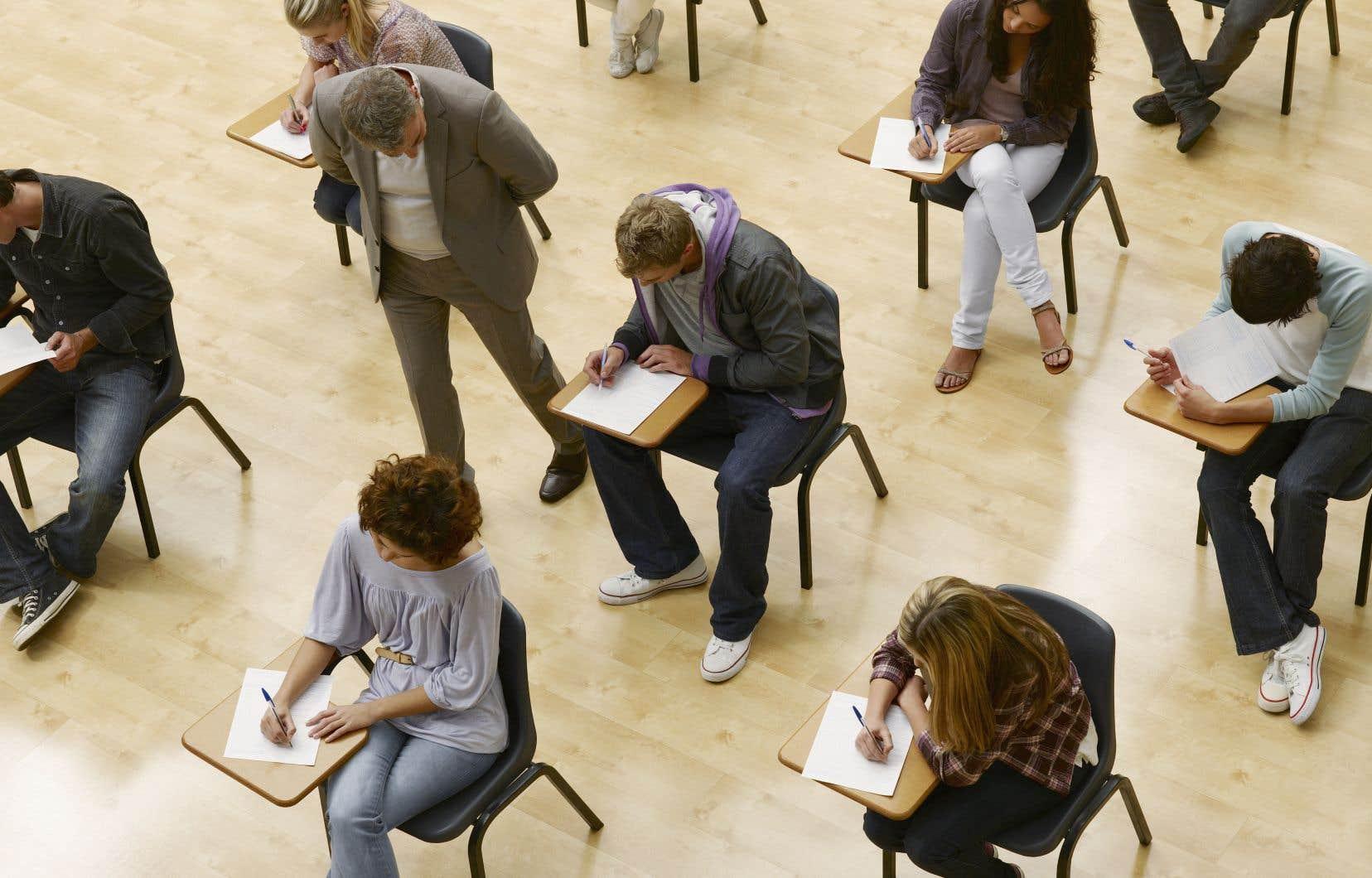 L'éducation des adultes et la formation professionnelle sont les grandes oubliées des débats actuels, insiste l'auteure.