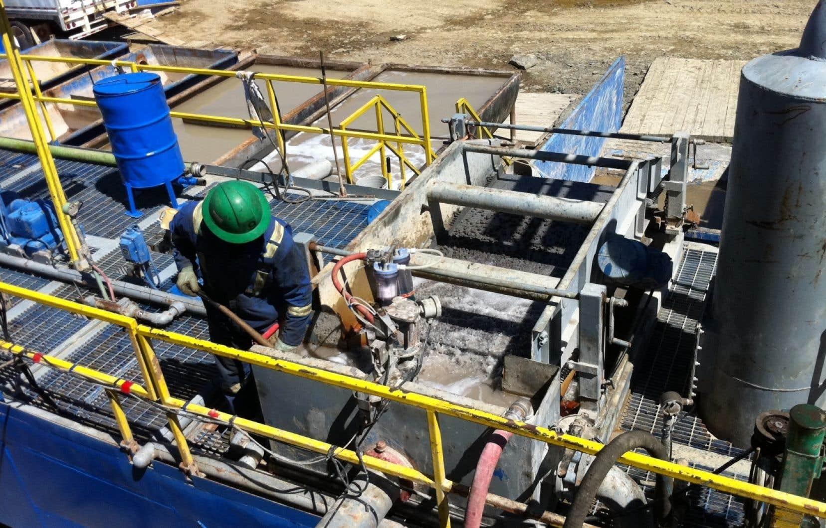 Pour transporter le pétrole de la Gaspésie jusqu'aux raffineurs, Junex a par ailleurs prévu de recourir au transport routier, selon ce qui se dégage des documents.