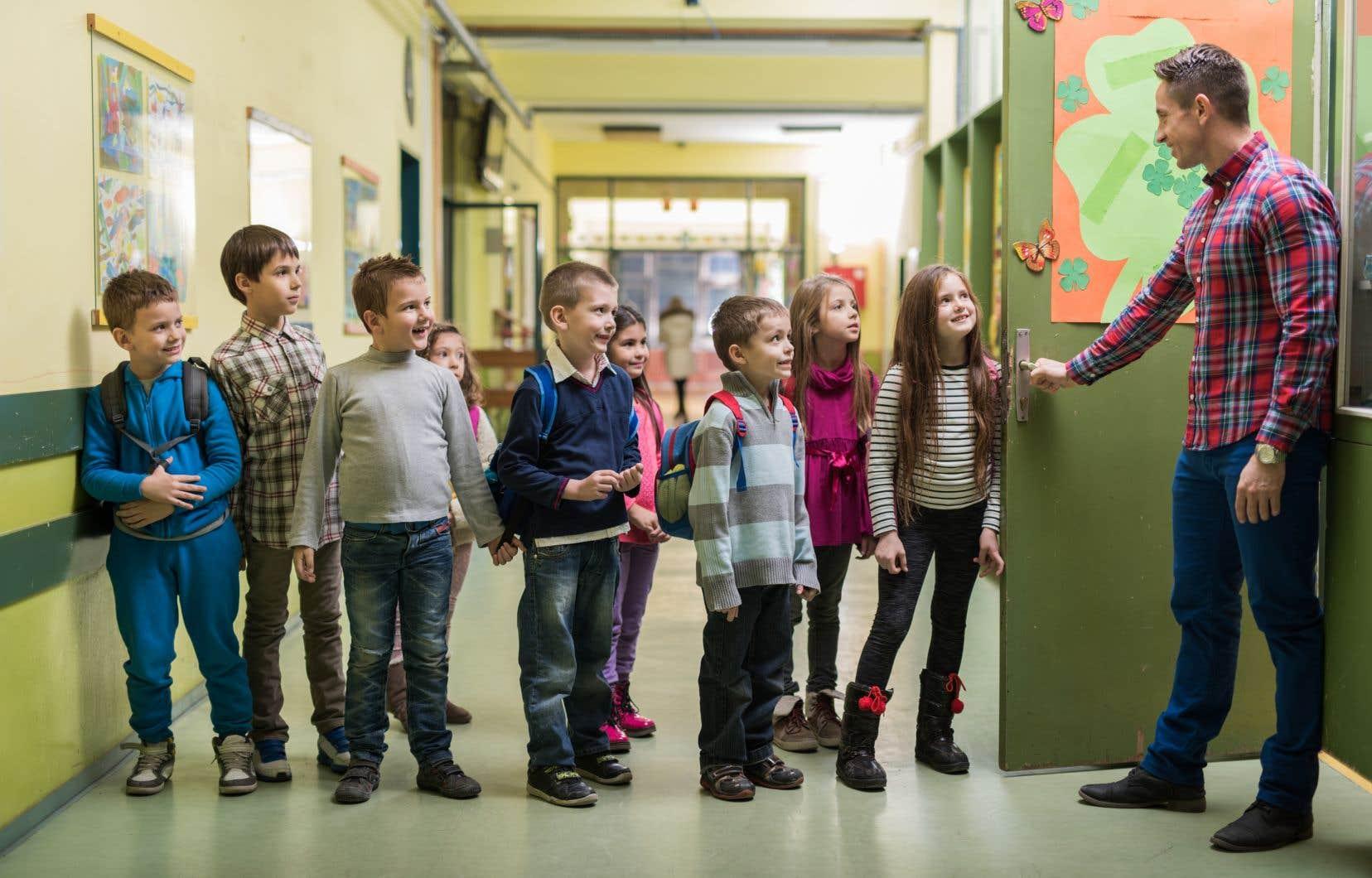 Québec a décrété que tout employé d'une école primaire ou secondaire qui postule à un poste de direction aura une hausse de salaire de 10%.