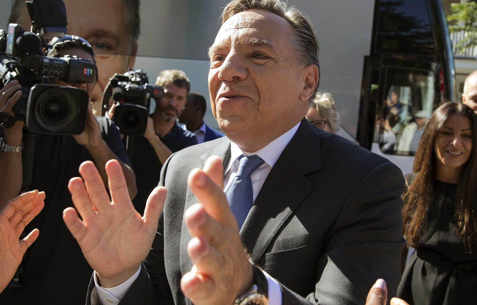 <p>Le chef caquiste, François Legault, a multiplié les bains de foule pendant la campagne électorale.</p>