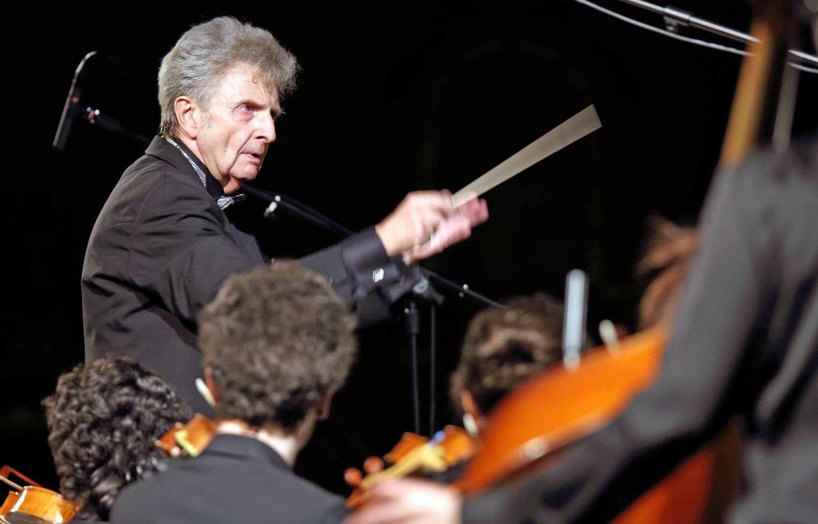 <p>Le bouillonnant chef de l'Orchestre symphonique de McGill, Alexis Hauser</p>
