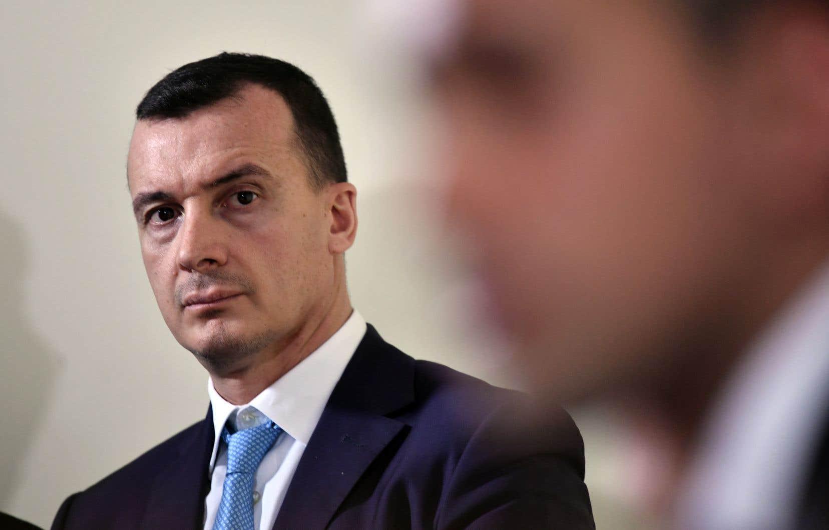 Dans un enregistrement diffusé dans les médias,Rocco Casalino, porte-parole de Giuseppe Conte, annonce «une méga vengeance» sur les fonctionnaires des finances «s'ils ne sortent pas l'argent pour le revenu de citoyenneté».