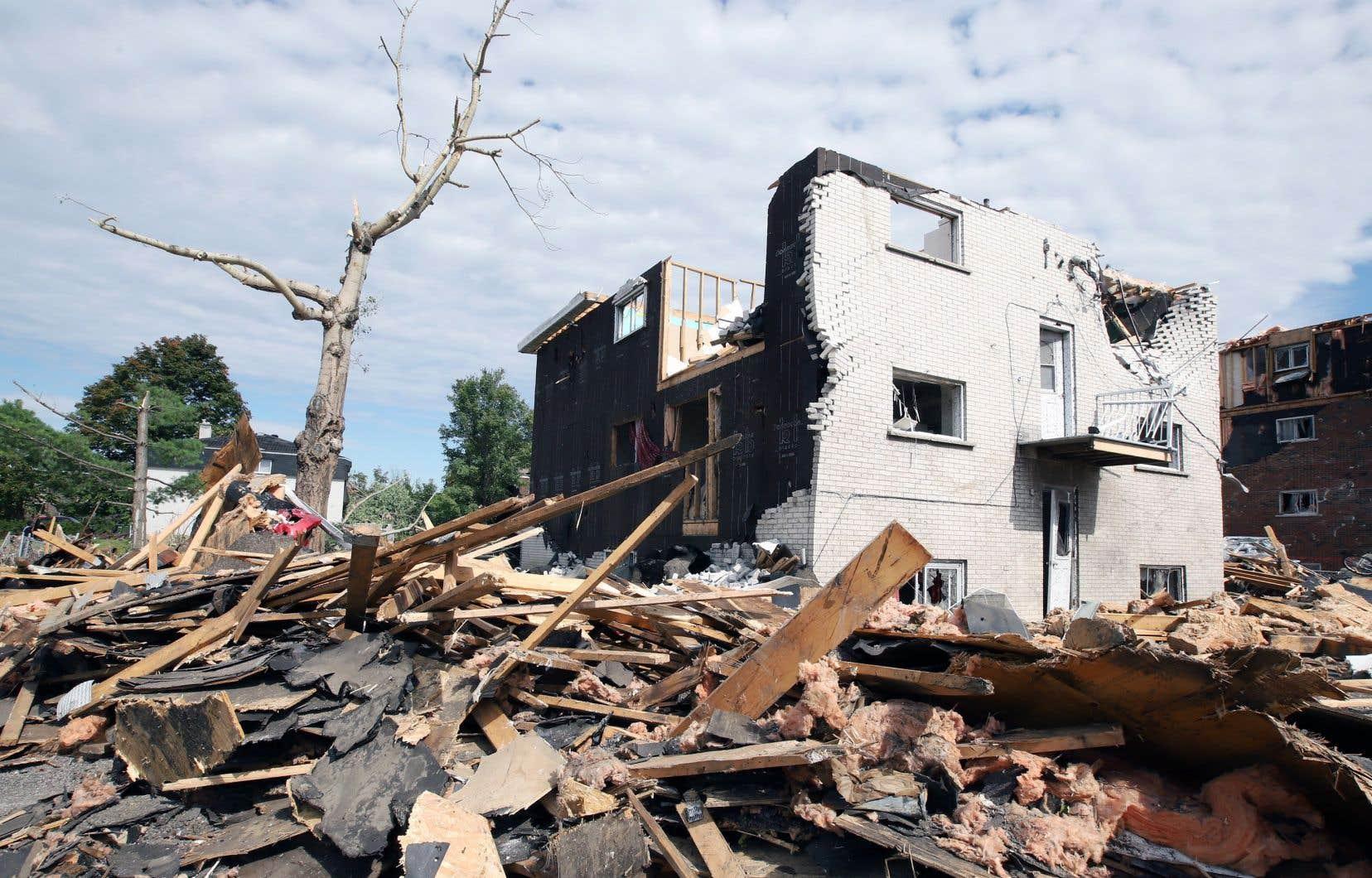 La tornade a plus durement frappé le quartier Mont-Bleu, à Gatineau, où de nombreux résidants vivaient déjà avec des moyens modestes.