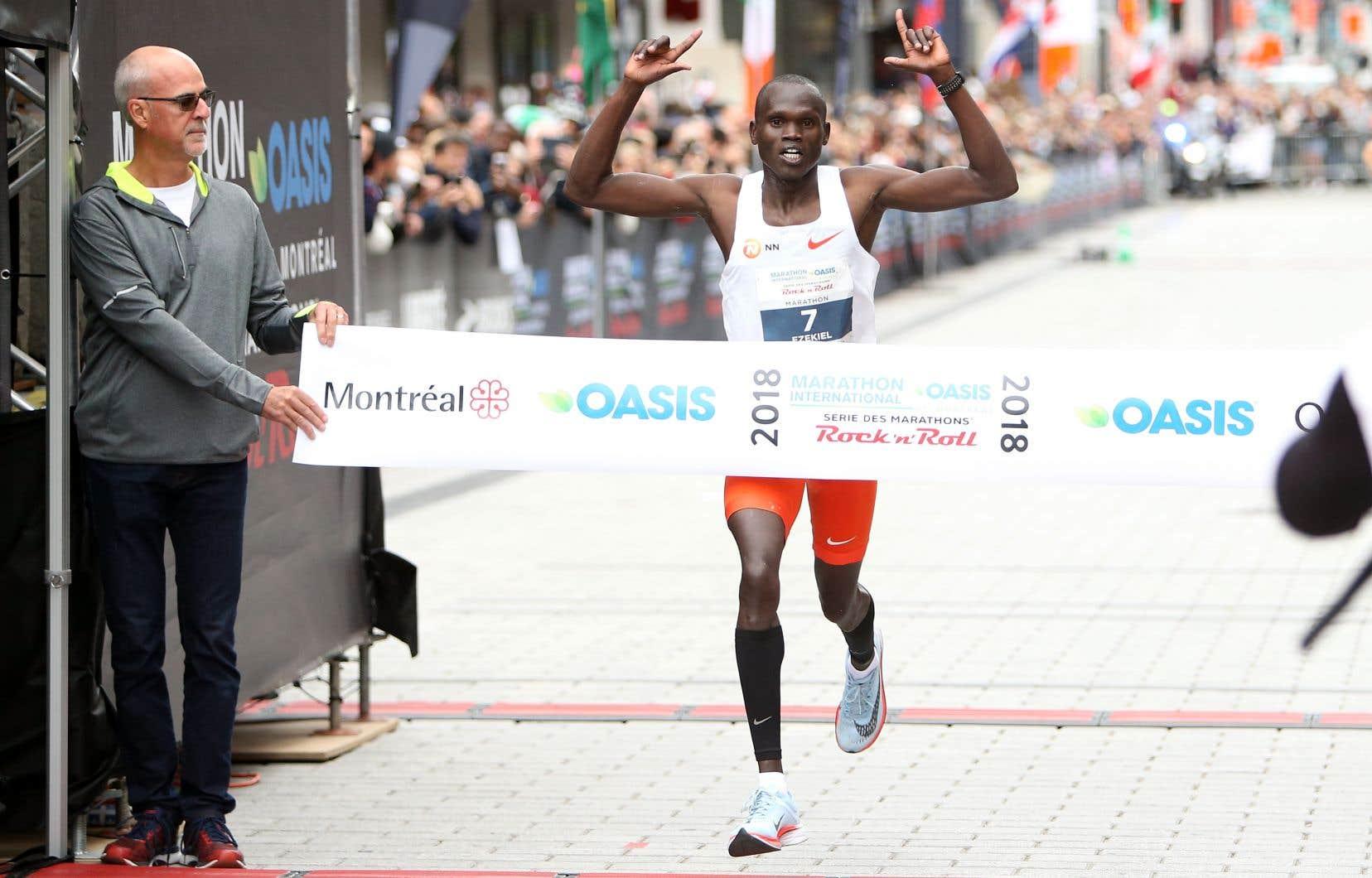 Le vainqueur, Ezekiel Mutai, a établi un nouveau record pour le marathon de Montréal.