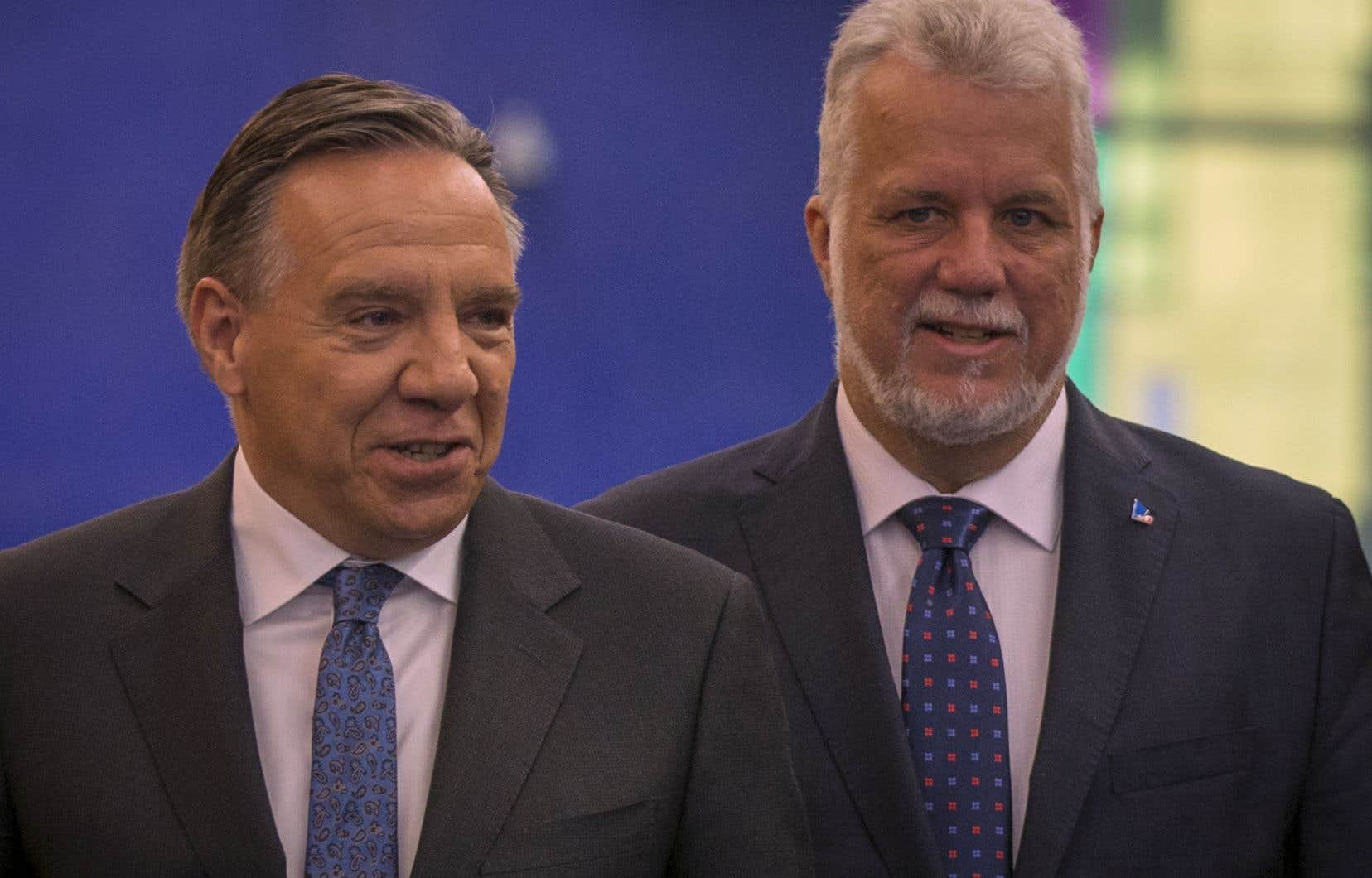 François Legault soupçonne le premier ministre Philippe Couillard de rapatrier, en douce, des avoirs de l'étranger.