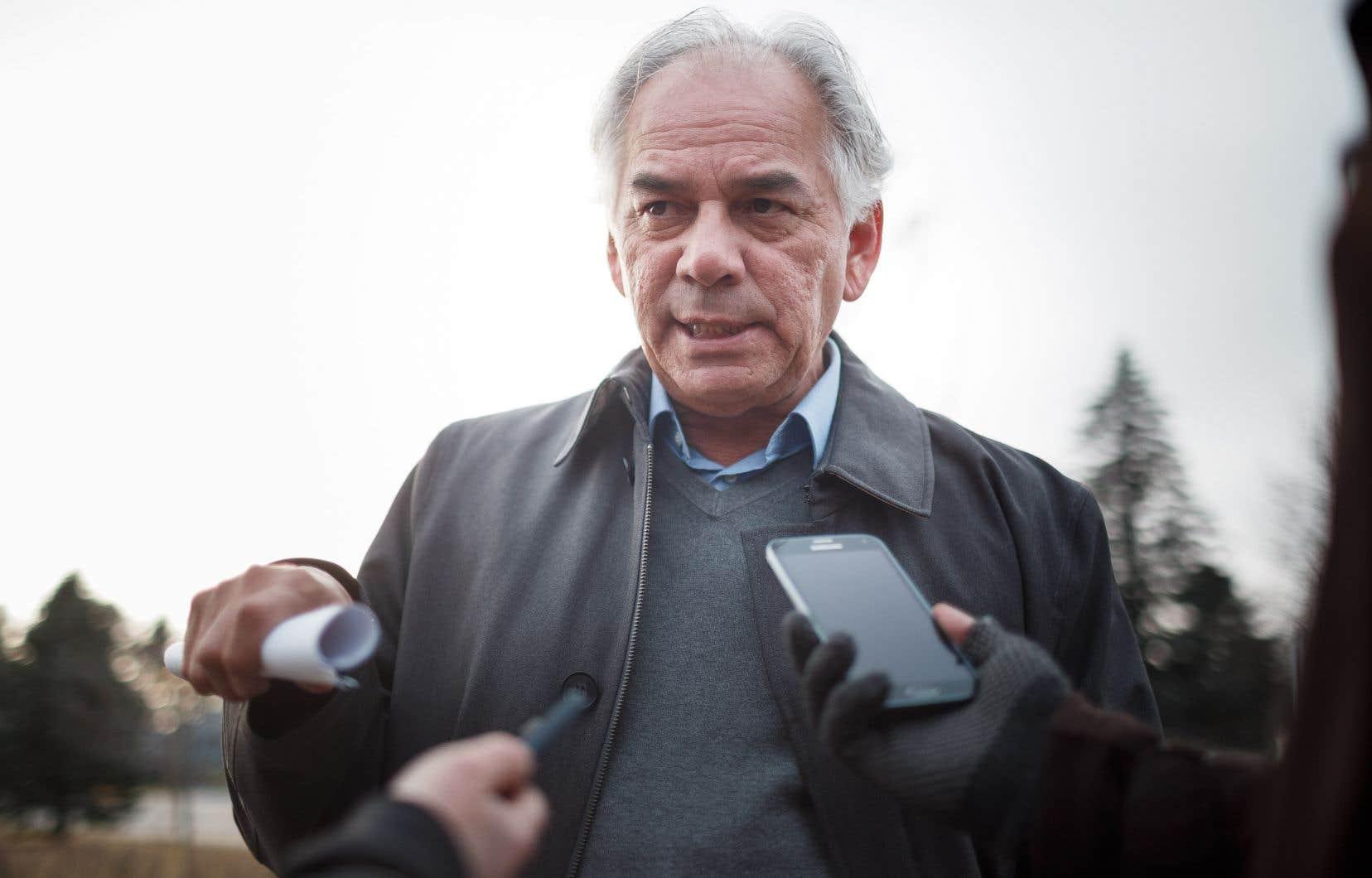 LeChef de l'Assemblée des Premières Nations Québec-Labrador,Ghislain Picard, a répondu aux questions des journalistes devant le palais de justice de Val-d'Or.