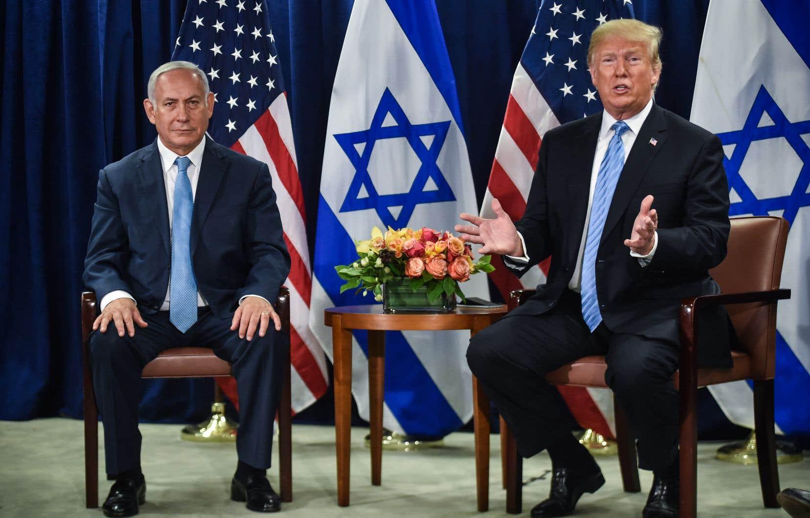 Donald Trump (à droite) en compagnie du premier ministre israélien Benjamin Nétranyahou