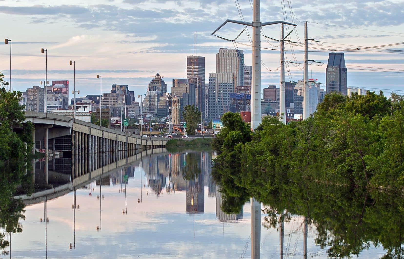Le canal de l'aqueduc alimente les usines de traitement d'Atwater et de Verdun avant d'acheminer l'eau dans les logements de Montréal.