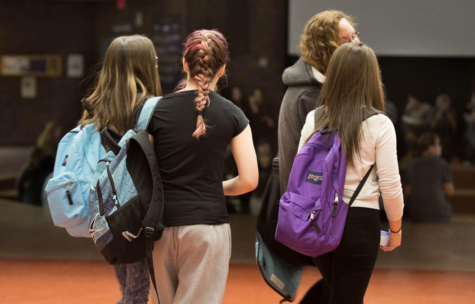 Selon des chercheurs, les jeunes d'aujourd'hui sont exposés à une diversité sexuelle que leurs parents n'auraient pu soupçonner quand ils avaient le même âge.