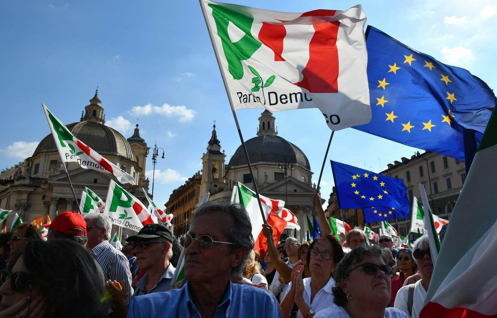 Des dizaines de milliers de partisans du Parti démocratese sont retrouvés à la piazza del Popolo, la place du Peuple, pour témoigner de «l'Italie qui n'a pas peur».