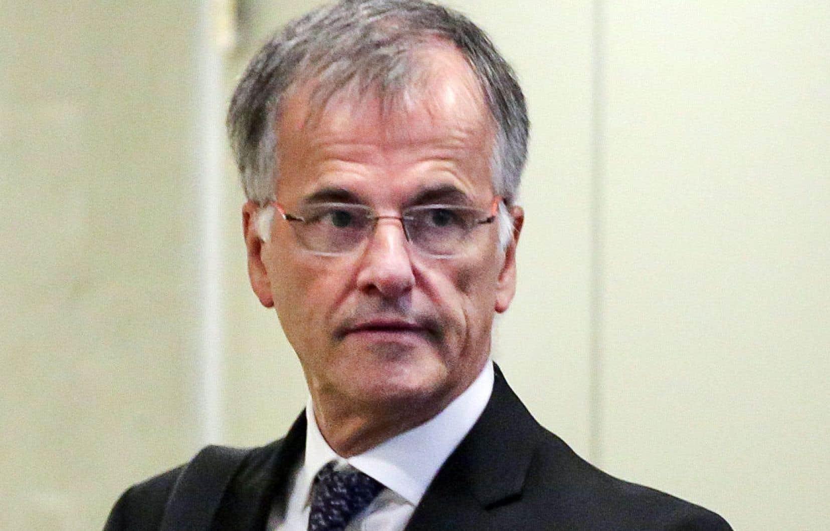Selon les avocats de Guy Ouellette, la technique de l'UPAC visant à se faire passer pour un informateur auprès du député ne constituait ni plus ni moins qu'une «infraction criminelle, à savoir une fraude à l'identité».