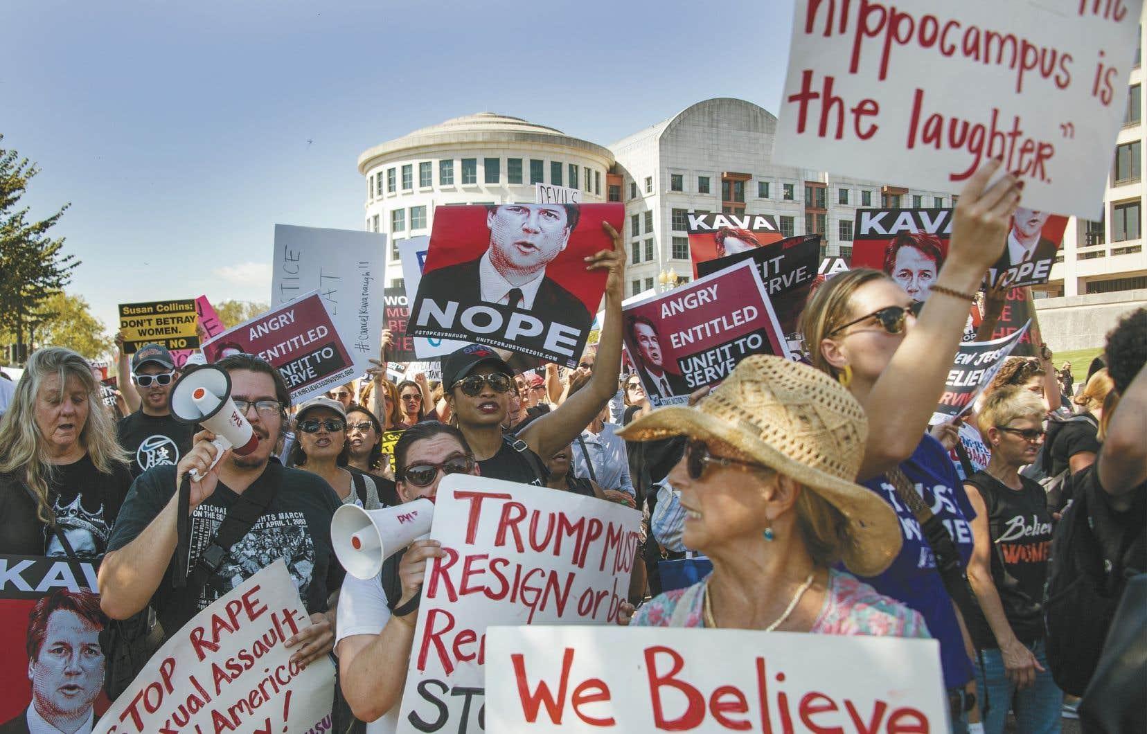 Des milliers de manifestants se sont rassemblés jeudi à Washington pour s'opposer à la nomination à la Cour suprême de Brett Kavanaugh. Le juge est accusé d'agressions sexuelles.