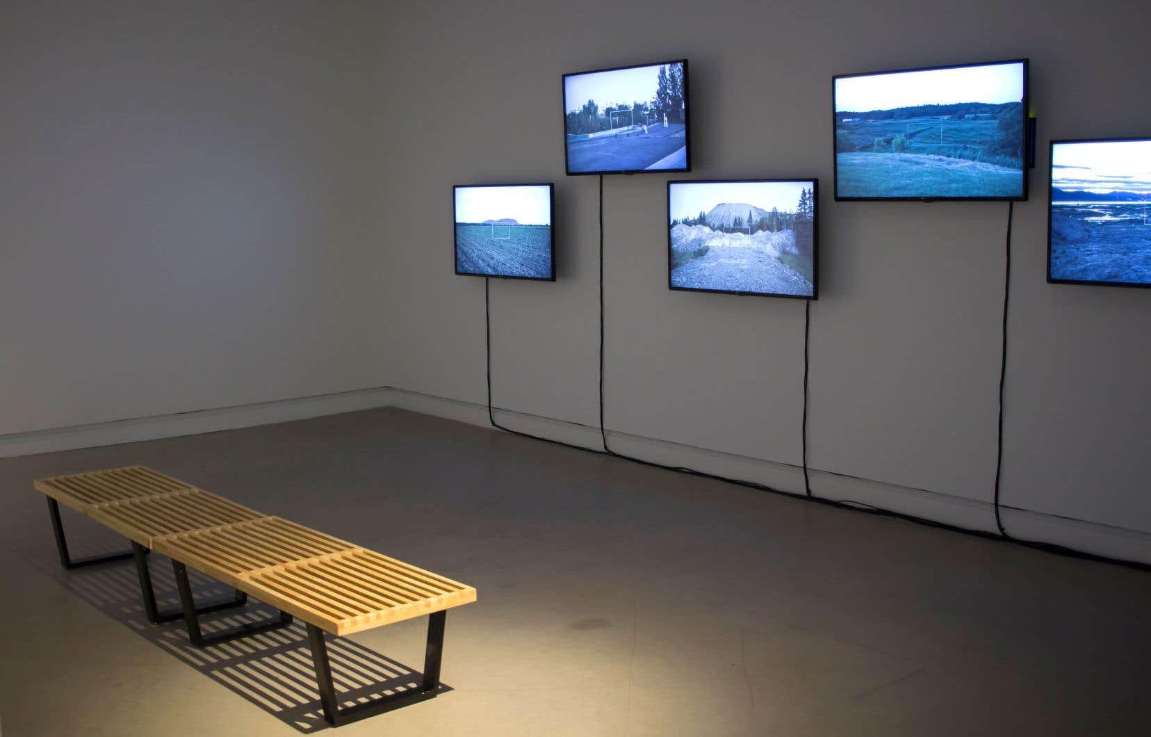 Vue de l'exposition «Écrans»