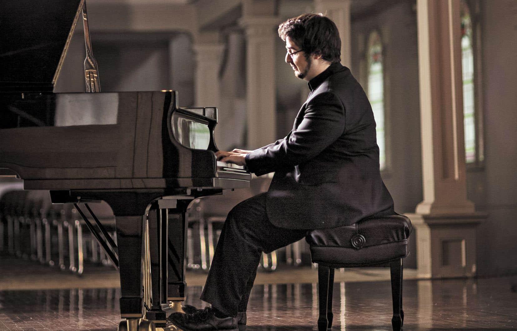 Le pianiste ne part pas sur un même pied par rapport aux deux œuvres. Le 2eConcerto, en fa mineur, a pris une importance toute particulière dans sa carrière. À Varsovie, il avait été le seul des finalistes à le jouer.