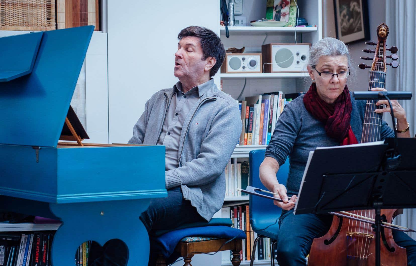 Luc Beauséjour en répétition avec Margaret Little