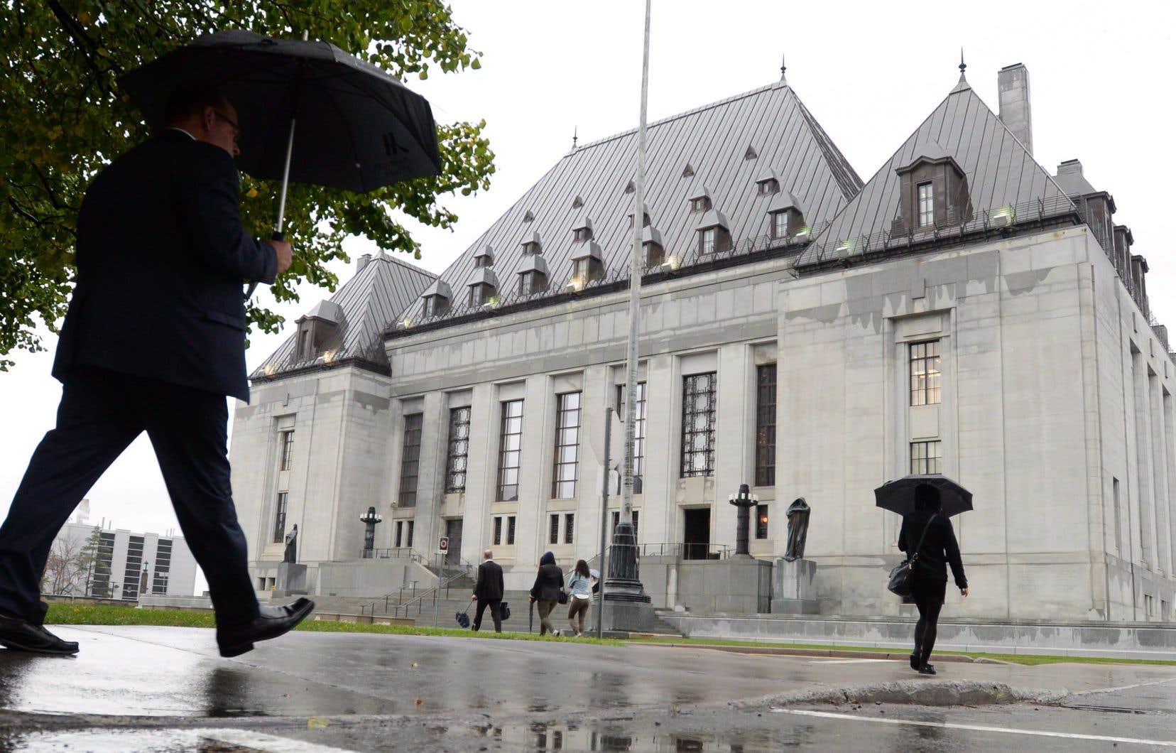 Sept juges de la Cour suprême ont conclu qu'il n'y avait aucune obligation de consulter pendant le processus législatif, mais ils ne se sont pas mis d'accord sur les raisons.