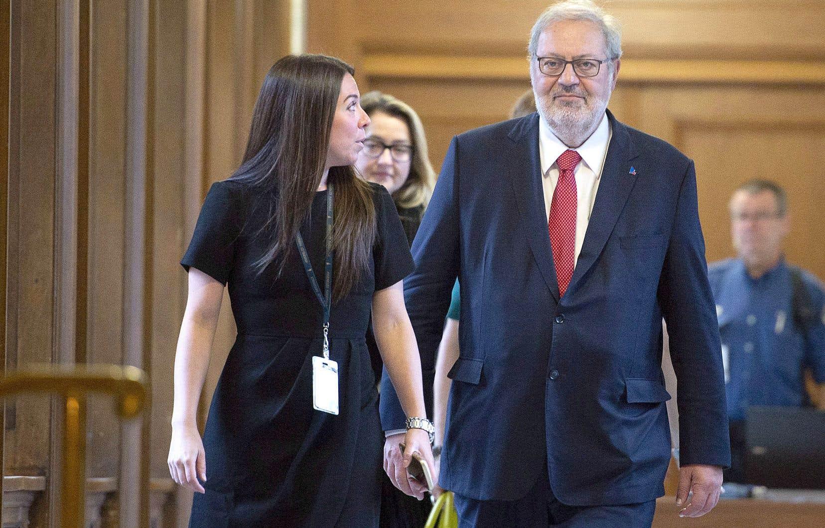 Le chef par intérim du Parti libéral, Pierre Arcand, a indiqué qu'il s'assurera qu'aucun des candidats pressentis pour la course à la direction du parti ne profite d'un avantage qui serait dû à sa fonction au sein de l'équipe.