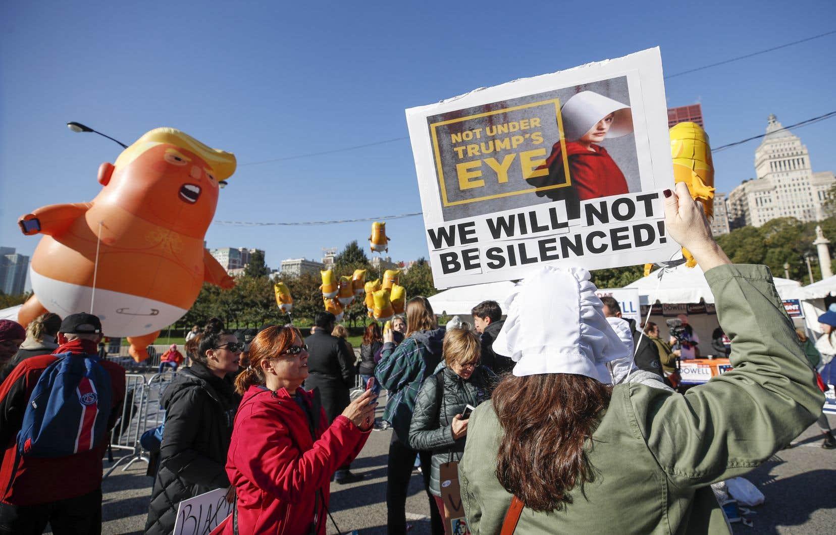 Des rassemblements similaires doivent avoir lieu en octobre dans d'autres États, dont certains traditionnellement favorables aux républicains comme le Texas, la Géorgie ou la Caroline du Sud.