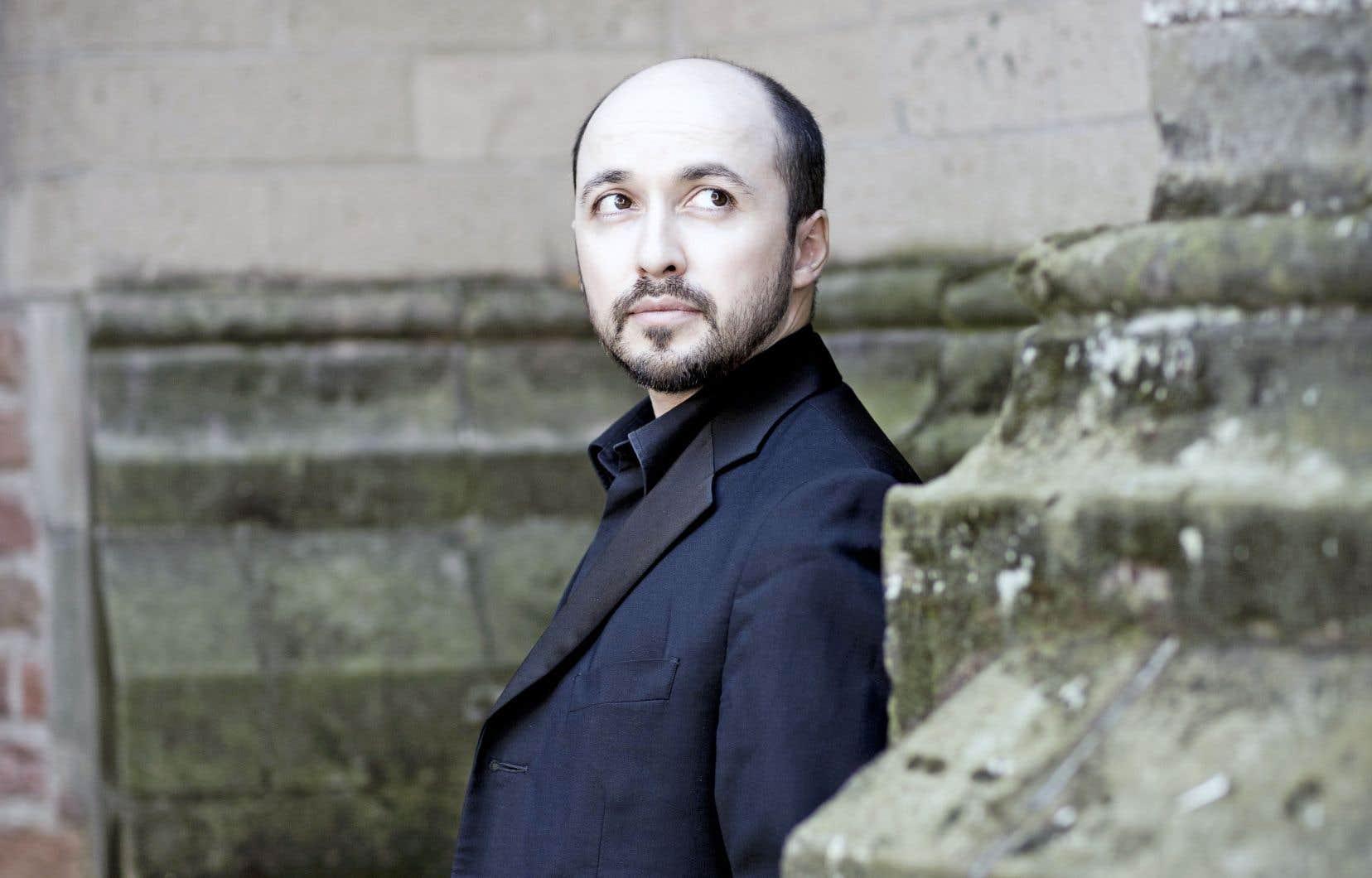 Le claveciniste Luca Guglielmi dirigeait pour une première fois l'orchestre baroque d'Arion.