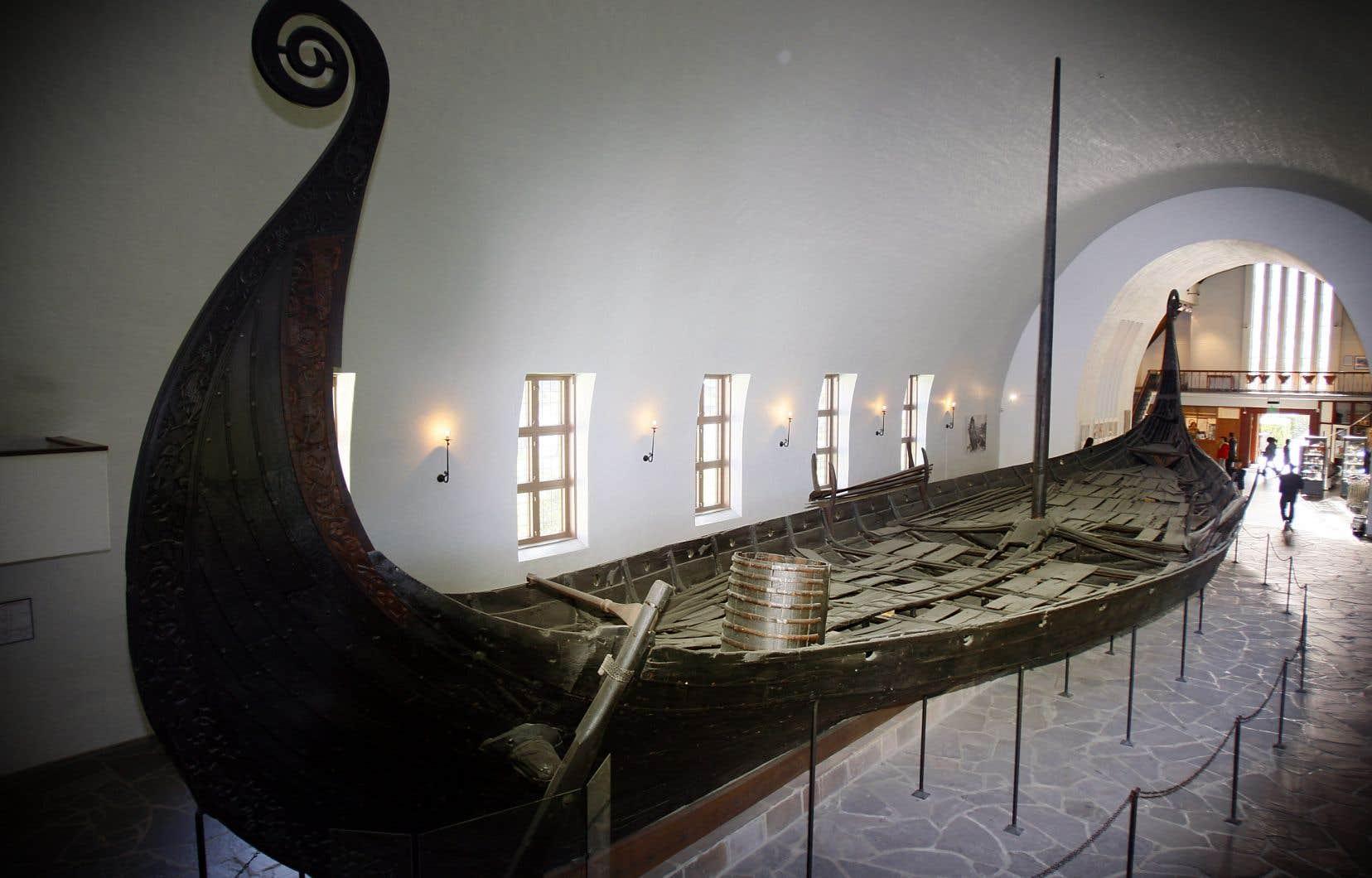 Seuls trois bateaux vikings en bon état de conservation ont été découverts dans le passé en Norvège, la dernière fois (le bateau d'Oseberg, sur la photo) en 1903.