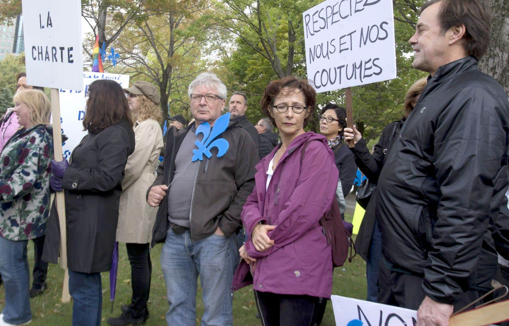 «La religion doit être du domaine privé. Mais dans nos relations avec l'État québécois, il n'y a pas de place pour les convictions religieuses», écrit Bernard Drainville.