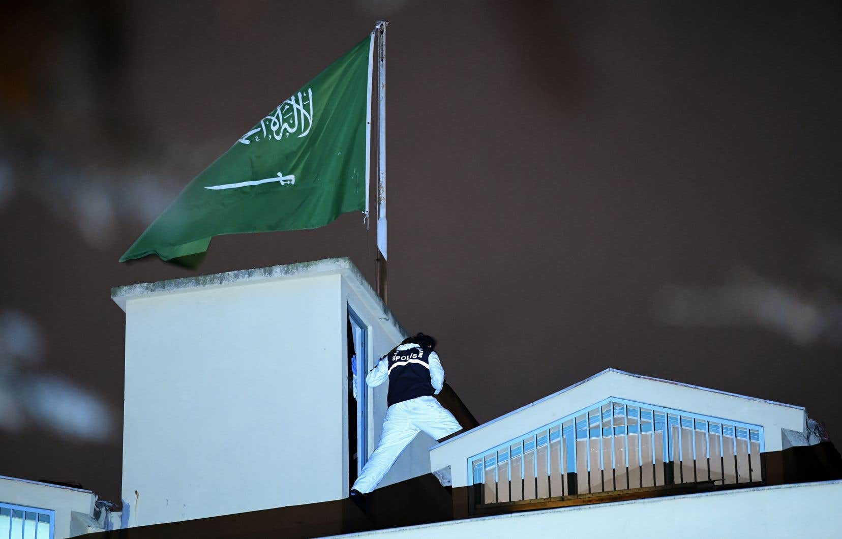 Une équipe d'enquêteurs est entrée lundi au consulat d'Arabie saoudite à Istanbul pour ce qui a été qualifié d'«inspection conjointe» du bâtiment.