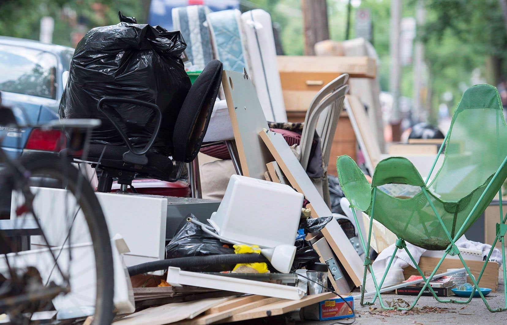 Selon les experts, le Québec fait aussi plus ou moins bonne figure, arrivant bon deuxième au pays pour la quantité de déchets produite en fonction de son PIB.<br />