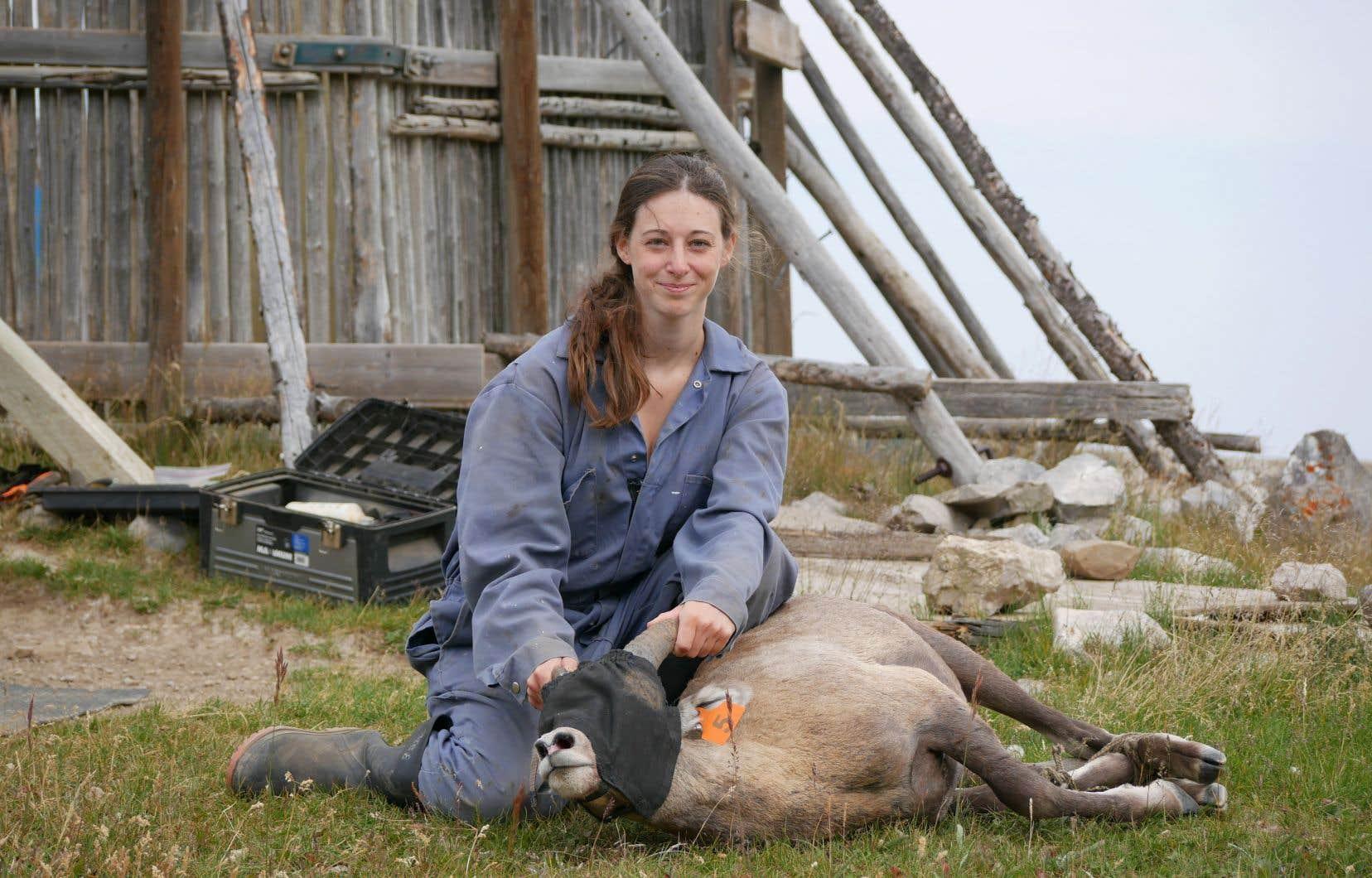 Yoanna Poisson croit que la sauvegarde des mouflons à grandes cornes passe par la mobilisation du milieu et la prise de conscience.