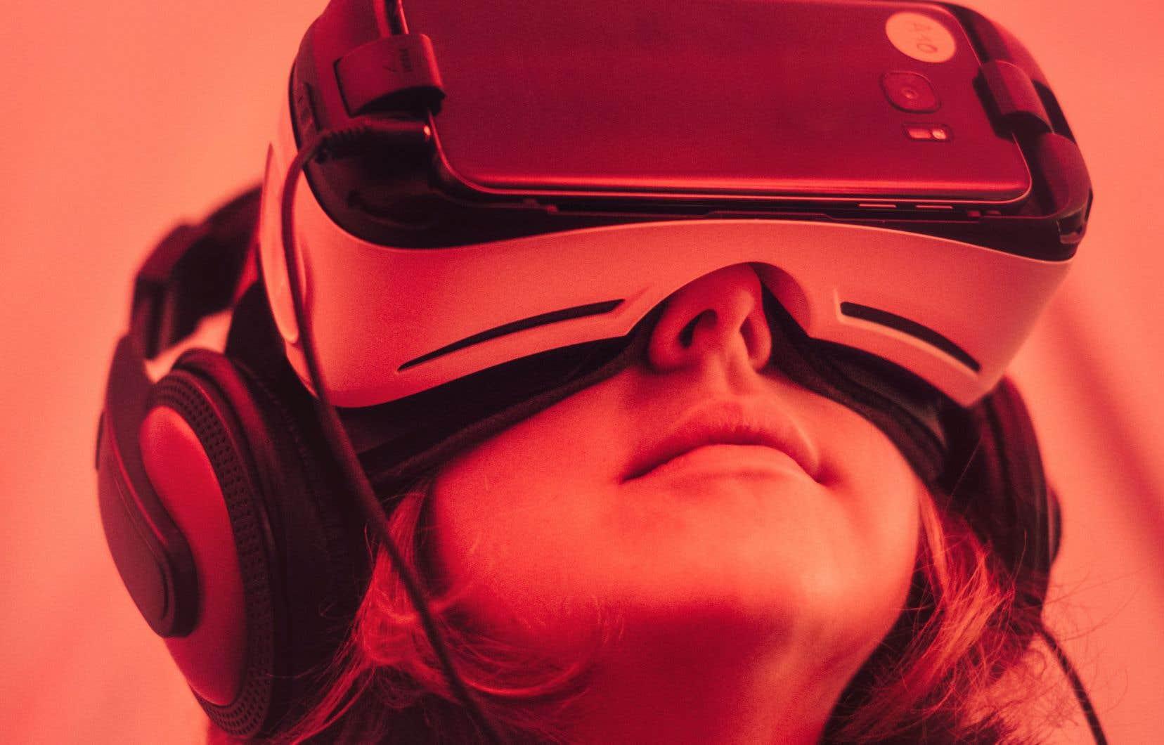 L'attrait général pour l'immersion et l'interactivité motive l'intégration des technologies.