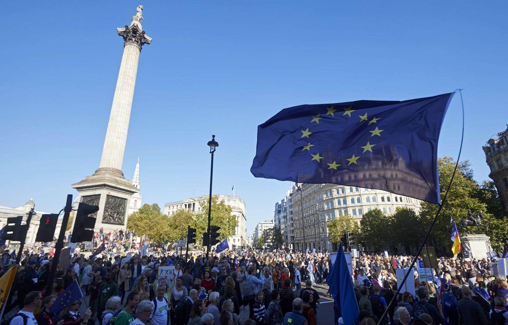 La manifestation était baptisée «People's Vote March» (Manifestation pour un vote populaire).