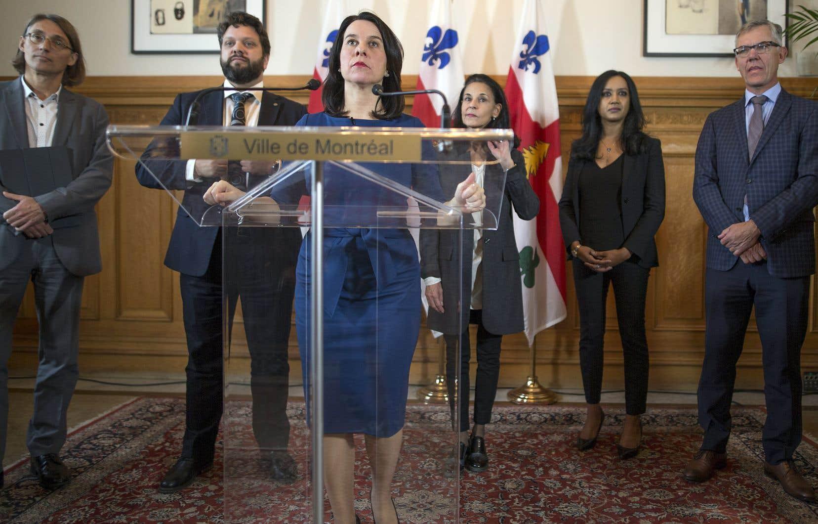 La mairesse de Montréal, Valérie Plante, a annoncé lundi la création d'un bureau de projet pour une nouvelle ligne de métro.