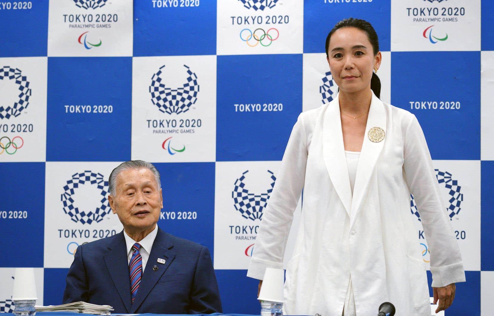 Kawase est très appréciée et elle est devenue la plus jeune réalisatrice à recevoir le prix de la Caméra d'or au Festival de Cannes, avec son film «<em>Suzaku»</em> en 1997.