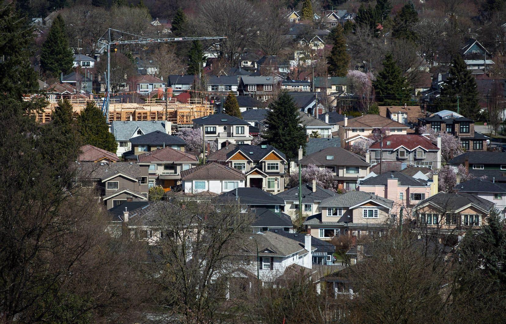 L'Ontario et la Colombie-Britannique ont introduit des taxes pour les acheteurs immobiliers étrangers.