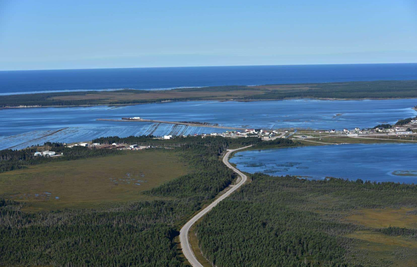 La CAQ est ouverte à examiner les éventuels projets d'exploration pétrolière et gazière sur cette grande île au milieu du Saint-Laurent.