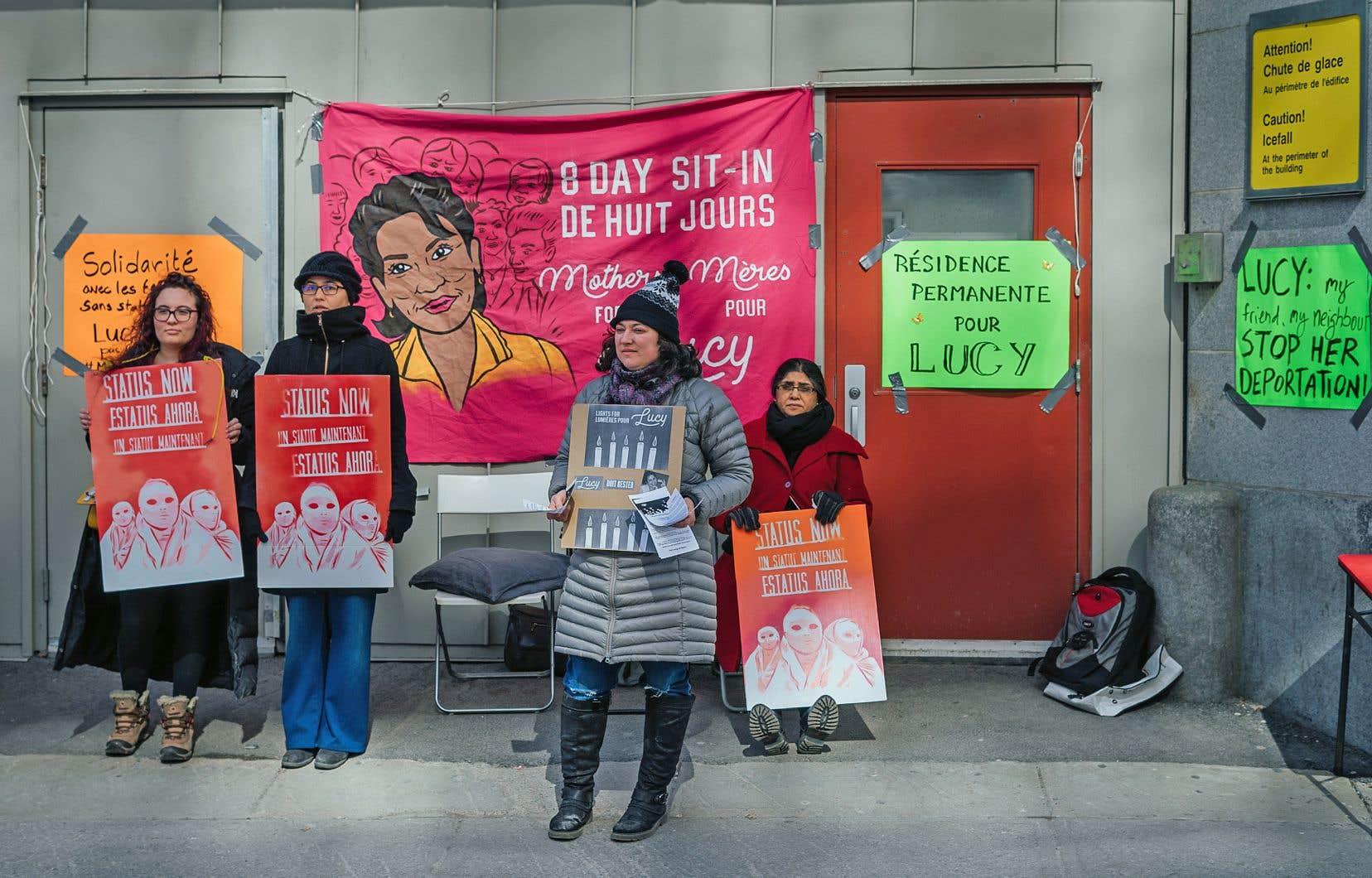 Une manifestation de soutien à Lucy Granados en avril à Montréal